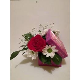 Кутия с роза